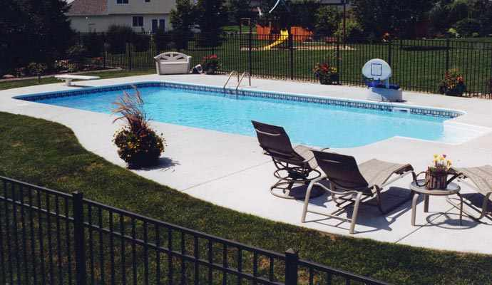Rectangular inground pools twin cities mn for Standard swimming pool size uk